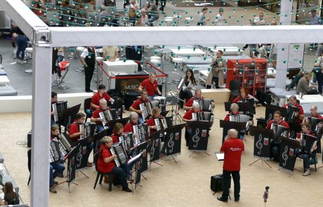 Orchester in der Mall of Berlin 2017